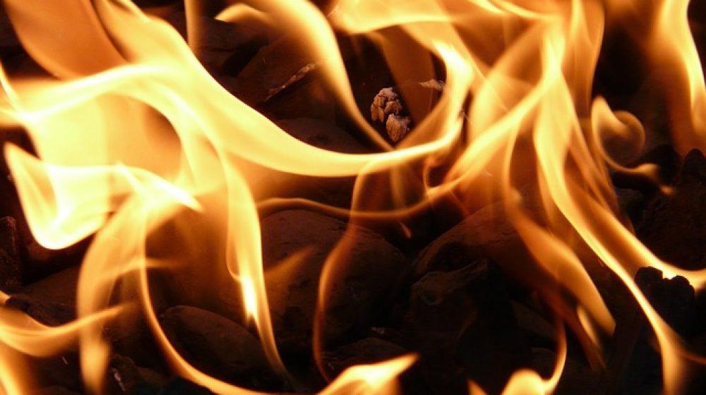 fire-8837_640