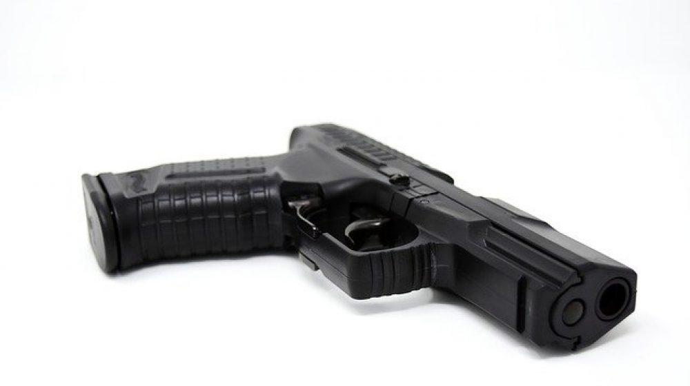 pistol-3000448_640